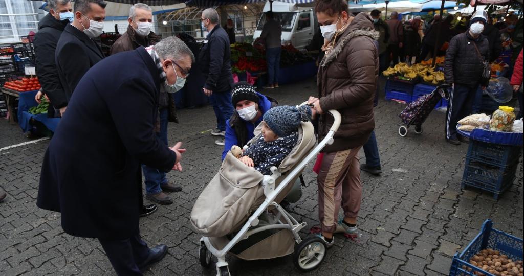 Kesimoğlu, Halk Pazarı'nı Ziyaret Etti