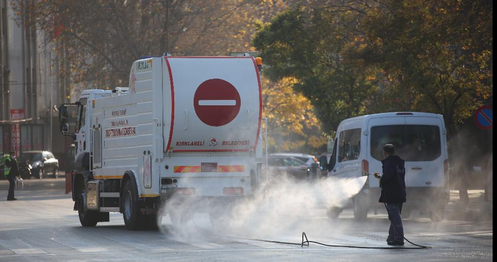 Cadde ve Sokaklar Dezenfekte Ediliyor.