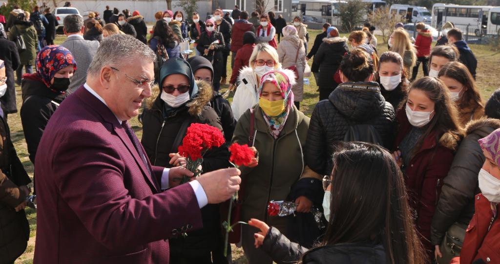 Kesimoğlu, 8 Mart Dünya Emekçi Kadınlar Günü'nü Kutladı